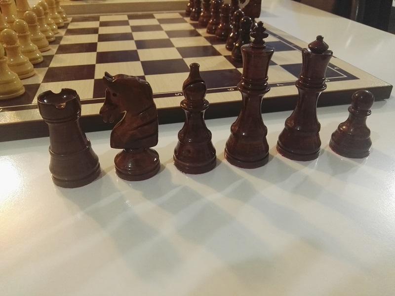 مهره های چوبی شطرنج آسک